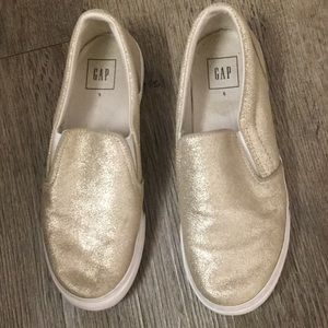 Gap Gold Suede slip-on sneakers Sz6