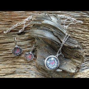 Jewelry - Alabama houndstooth elephant necklace and earrings