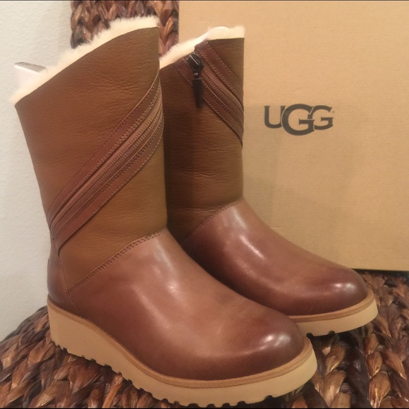 bb490ce2a09 Sale ❤️ UGG Lorna Chestnut Boots NWT