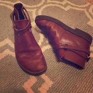 Sara Shoes - Leather booties