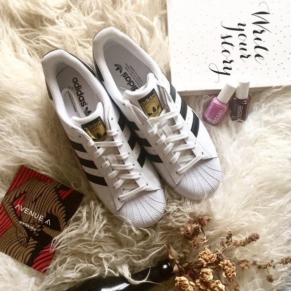 Le adidas avenue mai indossato superstar stan smith poshmark