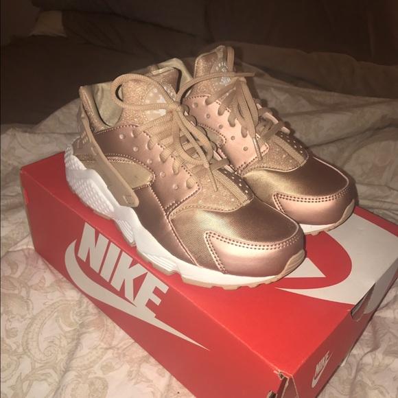 Nike RoseGold Huaraches