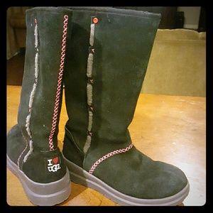 Ugg Boots -I heart Ugg line