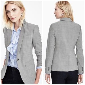 Banana Republic Jackets & Blazers - Banana Republic Light Weight Wool Gray Blazer