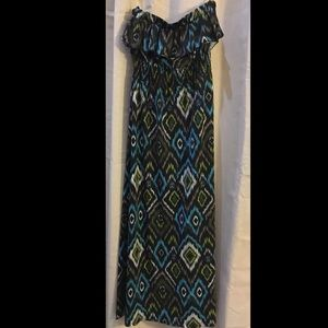 Poetry Clothing Dresses & Skirts - MAKE AN OFFER‼️NEWPoetry Clothing Strapless Maxi M
