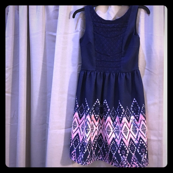 Xhilaration Dresses - MAKE AN OFFER‼️Xhilaration Casual Dress Size S