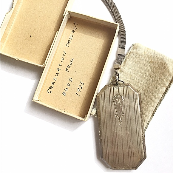 Vintage Handbags - 1920s Vintage Compact/Dance Compact🌟