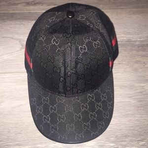 0dcbcd91d7e Gucci Accessories - Gucci Print Low Profile Relaxed Hat Snapback