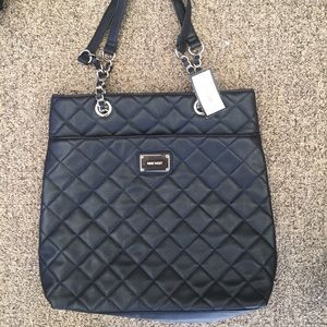 Nine West Handbags - Nine West Quilted Purse