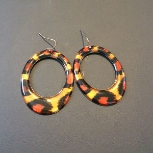 Jewelry - Brown animal print earrings