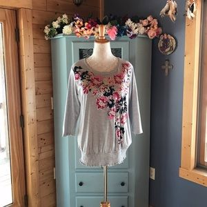 White Stag Tops - Beautiful Blouse. Brand NEW