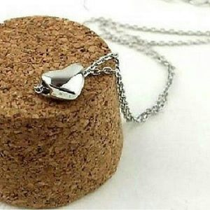 Jewelry - Small silver plated heart pendant necklace