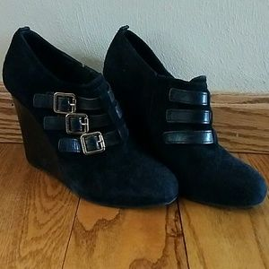 Tory Burch Wedges size 5.5