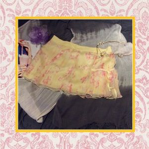 Dresses & Skirts - 🌺 Yellow with pink design blouse skirt summer