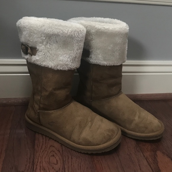Old Navy Shoes   Girls Boots Size 3