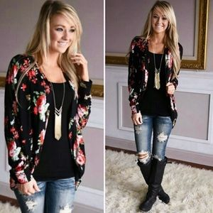 Boohoo Sweaters - 🎉HOST PICK 2/19🎉 Red & Black Floral Cardigan❣️🌹