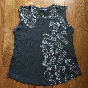 Olivia Moon Tops - Olivia Moon floral T Shirt in size L.