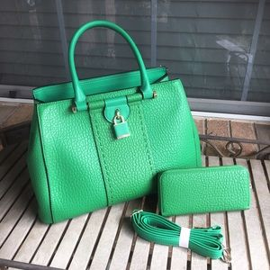 💥FINAL PRICE💥Emerald Green Faux Leather Bag