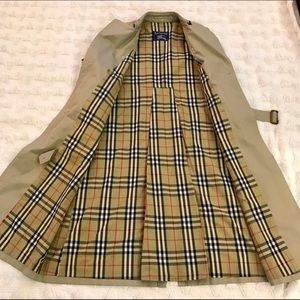 ✨Vintage Authentic Burberry Trench Coat