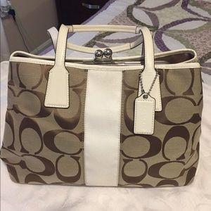Coach Handbags - Auntentic coach bag