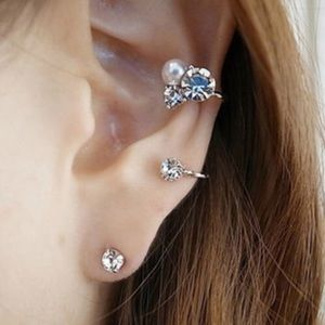 Jewelry - Trendy ! 2 pcs Earrings.SALE!