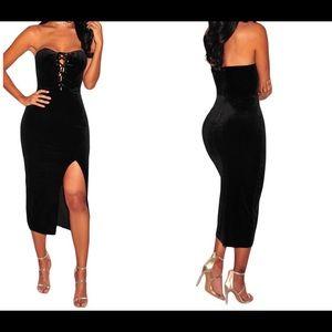 Dresses & Skirts - 🆕Black Valvet Lace dress