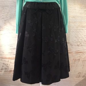 Kate Spade bow pleated skirt Size 8