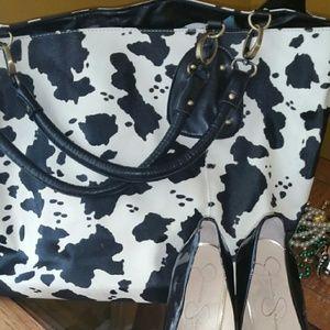 SEXY Gorgeous black/white Western print bag!