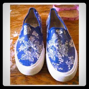 Airwalk Shoes - Airwalk Floral Print Slip-On Sneakers