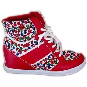 Shoes - Brand-new awesome red flower hightops