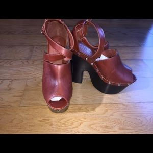 3b788e18141 ... Topshop Sell-Out Tan   Black Platforms!