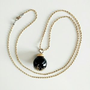 Jewelry - ∙HP∙ Black Bauble Necklace