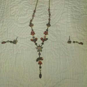 Avon Scarlet Y necklace and earrings set