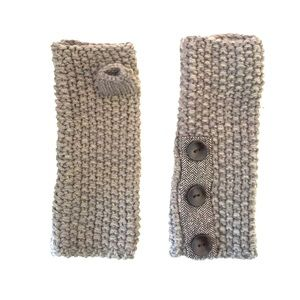 REI Accessories - REI beige brown button knit wrist warmers small