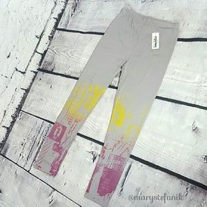 Peony and Moss Pants - {New} Peony & Moss Painted Gray Legging size M/L