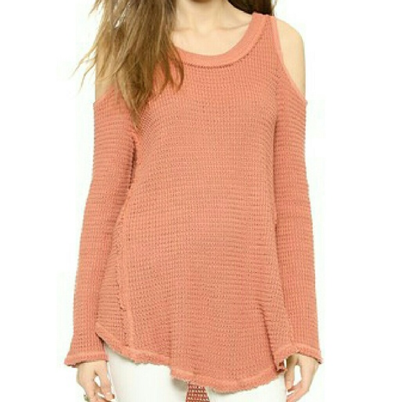 306a2dcec61f6c Free People Tops - 🎉HP🎉 Free People Sunrise Cold Shoulder Sweater