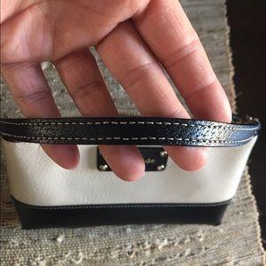 kate spade Bags - Kate Spade Wellesley wristlet