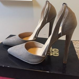 Cutout detailed taupe pointed heels