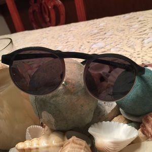 Warby Parker Accessories - Warby Parker bates style sunglasses