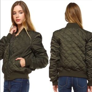 Jackets & Blazers - 🔥SALE🔥Quilted Olive Bomber Jacket
