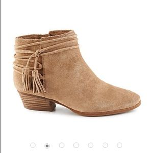Vince Camuto Shoes - Vince Camuto Carlina Bootie