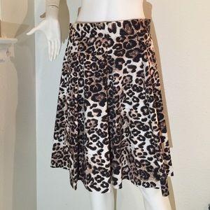 amanda & chelsea Dresses & Skirts - Amanda & Chelsea leopard skirt sz 10