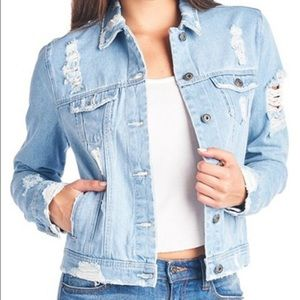 Jackets & Blazers - 🎈1 hour sale 🎈Distress denim jacket 🎈