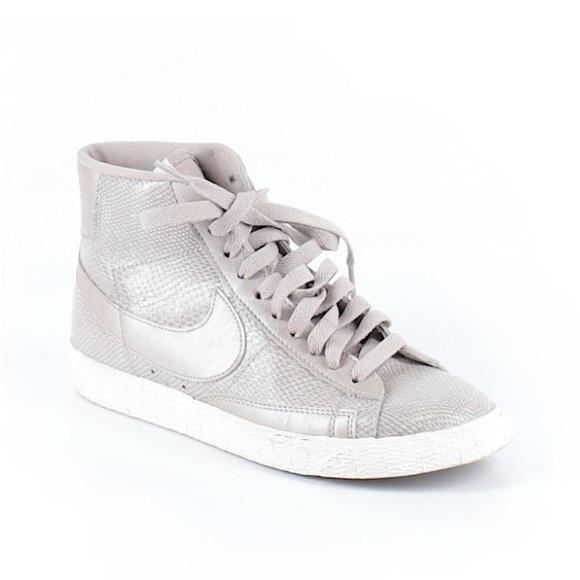 low priced 59d24 b58e5 Nike for J. Crew Blazer Mid Vintage Sneakers. M 588c0104b4188e72b2002db3