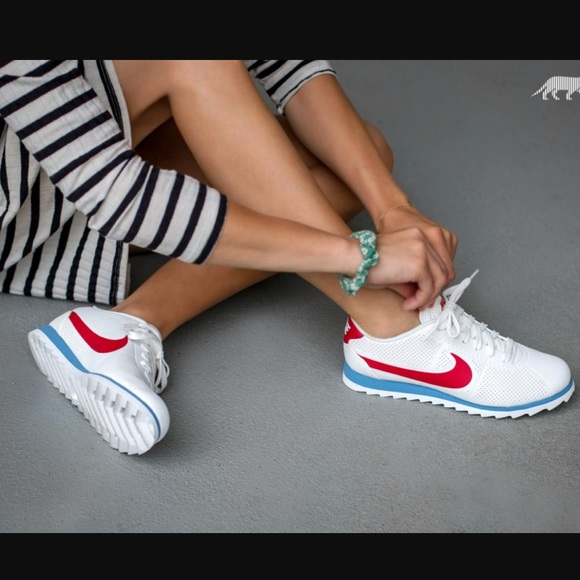 best service 383be 68cae Red White & Blue Nike Cortez Ultra Moire