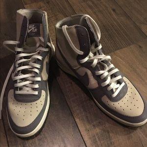 Nike Dunks. New w/o tags. Never worn.