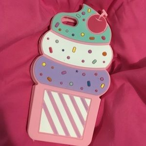 Cupcakes & Pastries Accessories - Never used iPhone 6 or 6s