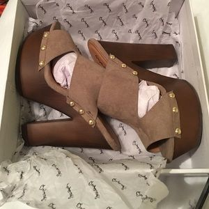 Qupid Shoes - Qupid - Taupe Suede Platform Clogs/Mules
