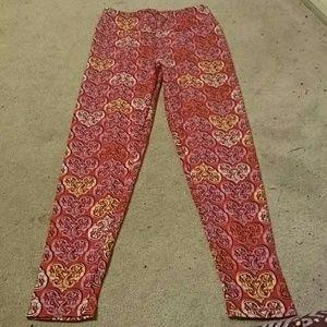 LuLaRoe Pants - Os leggings in valentine heart scrollwork pattern