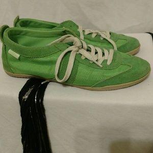 Buffalo brand. Green stylish sneakers.